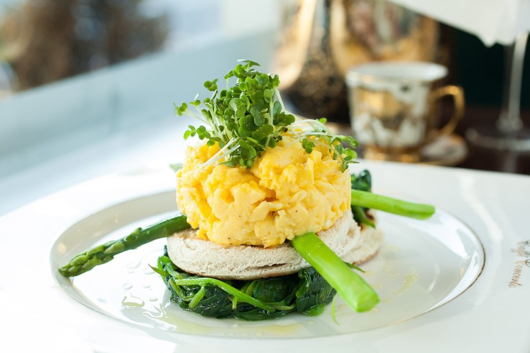 scrambled eggs spinach asparagus_tn